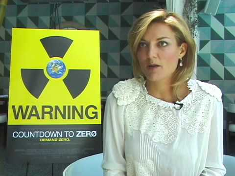 Interviewing Robert Oppenheimer — Lawrence Bender & Lucy Walker of 'Countdown to Zero' Video