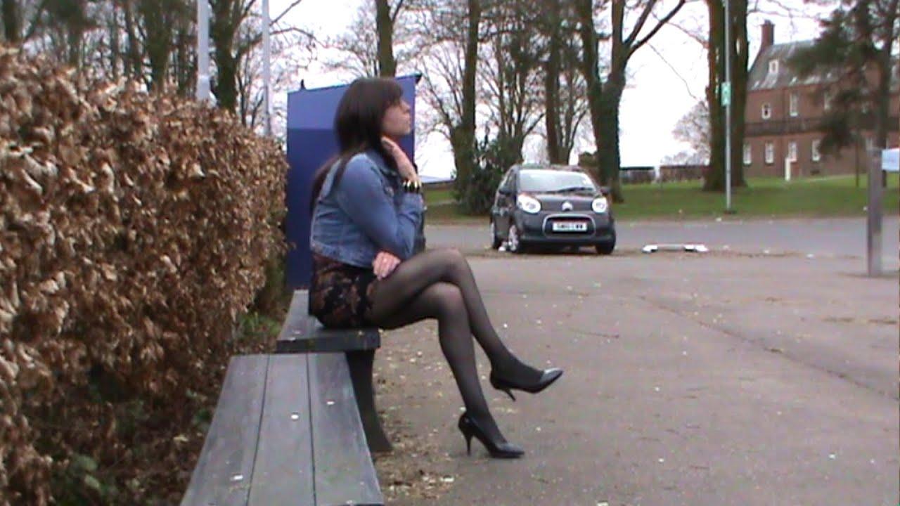 Трансвестит на прогулке фото 10 фотография