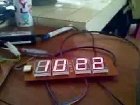stand alone how to make a digital clock but it refers to the text on