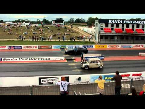 My Supra 712bhp vs Mini Rover Turbo T16 Engine - Santa Pod Raceway 2011
