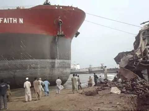 Ship Beaching (Ore Carrier) M.V FAITH N.wmv