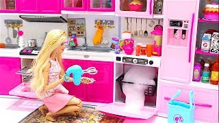 Barbie Doll Kitchen Set up Real Cooking Refrigerator Barbie Puppen Küche echtes Kochen