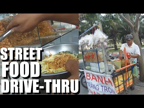 STREET FOOD in Vietnam is cheap and easy. Saigon 2015.