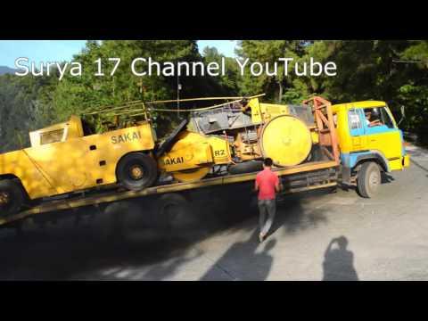 Truck Hino Muatan 2 Alat Berat