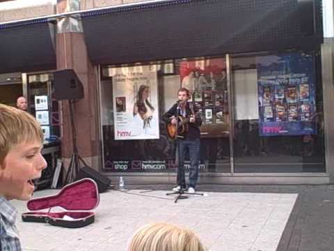 James Morrison busking in Birmingham city centre (Hold You In My Arms)