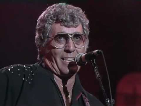 Carl Perkins - Matchbox (Live at Farm Aid 1990)