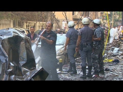 Raw video: Aftermath of car bomb blast in Beirut, Lebanon