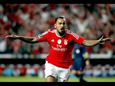 Subscribe:https://www.youtube.com/user/GiannisKikTV Kostas Mitroglou-Olympiakos 2013/14 HD Editing:GK Productions Song:Ellie Goulding - Lights and Flo Rida -...