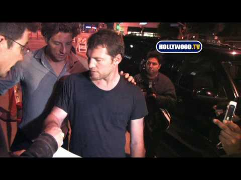 Sam Worthington Becomes A Paparazzo Video