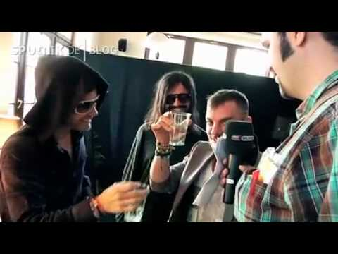 30 Seconds to Mars joke with German Journalist Music Videos