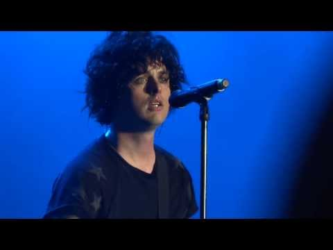 Green Day - Wake Me Up When September Ends (sydney Soundwave 2014) video