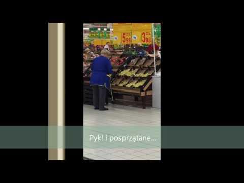 Sprytne Sprzątanie W Auchan W Gdańsku, Zamiatanie