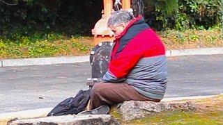 Homeless Man Does An Inspiring Act Social Experiment