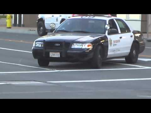 Los Angeles County Sheriff's Deputies Investigate Suspicious Package