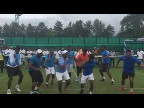Leander paes dance with the Indian Davis Cup team