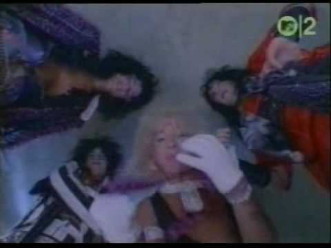 Motley Crue - Smoking in the Boys Room