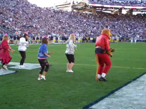 Penn State Nittany Lion dances to Thriller by Michael Jackson at the 2008 Homecoming game against Michigan.