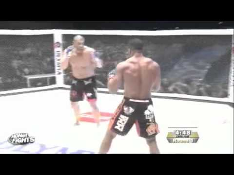 Alistair Overeem vs James Thompson OLD School !!.mp4