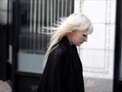 Zola Jesus - Skin