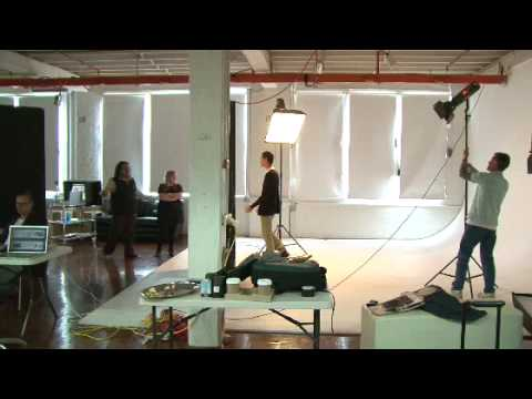 Amy Pearson Photo Shoot August 2009 [Behind-The-Scenes]
