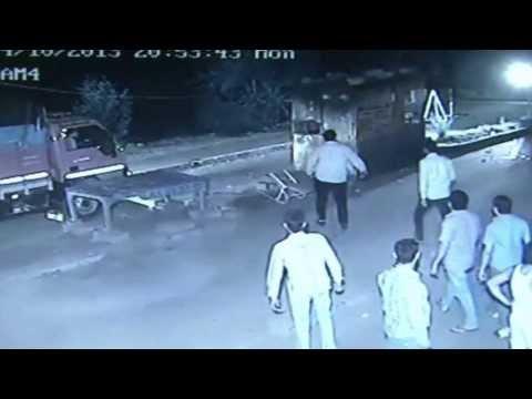 Live robbery at Gurgaon Tol Bridge - CCTV
