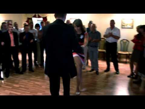 Смешной танец свидетелей на выкупе
