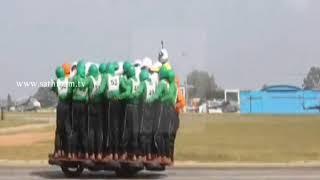 ஒரே மோட்டார் சைக்கிளில் 58 ராணுவ வீரர்கள் பயணித்து உலக சாதனை
