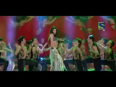 Katrina Kaif Hot Performance at 2013 Toifa Awards
