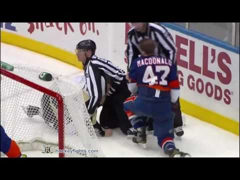 New York Islanders vs Pittsburgh Penguins Fights Brawl February 11, 2011 HD