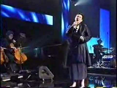 K.D. Lang sings Leonard Cohen's Hallelujah