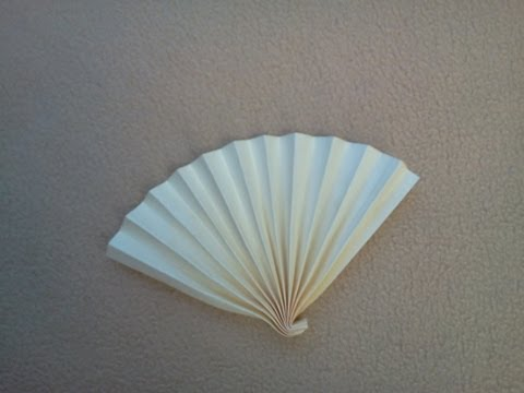 How to make an easy paper fan - Cómo hacer un abanico sencillo de papel