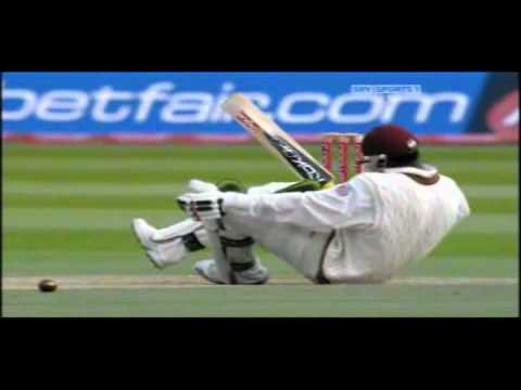 Chris Gayle Hit Amidships David Lloyd bumble Takes Over video