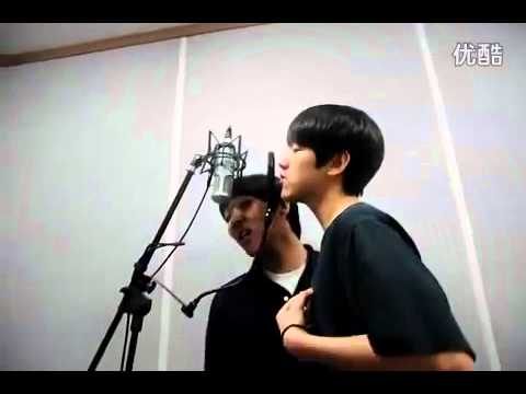Baek Hyun from EXO(K) singing CNBlue Love light[with his friend].FLV Music Videos