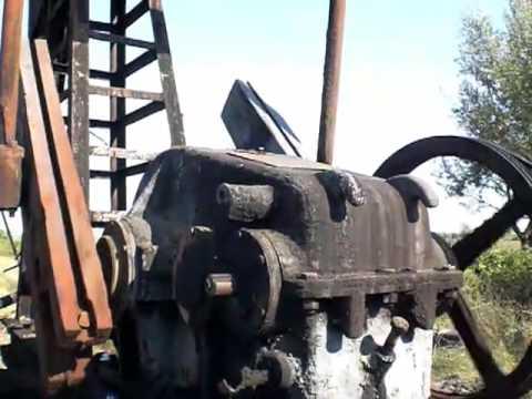 Musica dagli pozzi del petrolio in Kuçova Albania