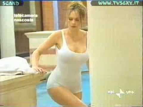 Anna Falchi - Telecamera nascosta