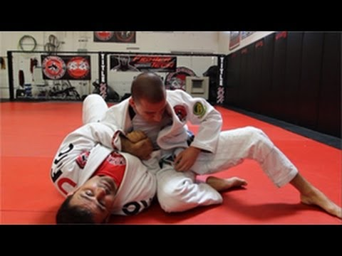 Jiu Jitsu Techniques (en Español) - Side Control Escape / Defense Image 1
