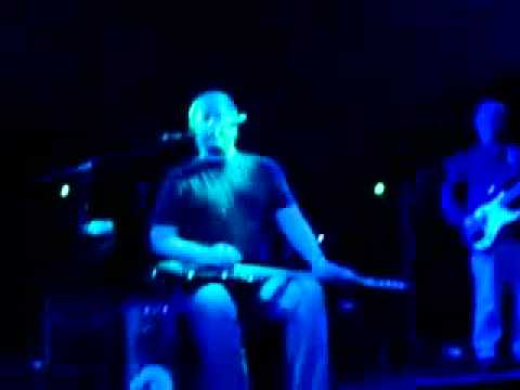 YouTube - Jeff Healey Blues Band-Sittin`On Top Of The World-UK 2007.mp4