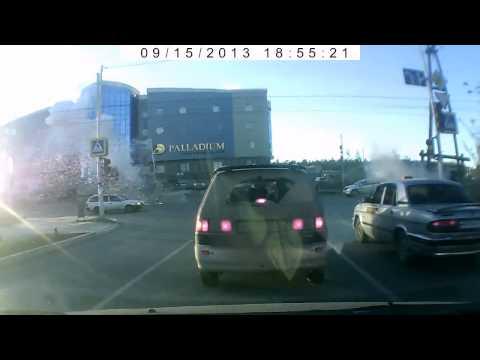 Видео ДТП на Лермонтова 16.09.2013