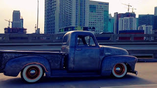 Accuair Patina, Ratrod Sick BareMetal Chevy 3100 Bagged on Accuair Suspension