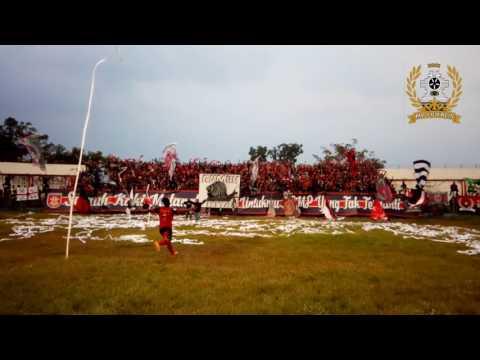 MP Loyalis 2001 Match Ambience PSMP MOJOKERTO vs Psbk Blitar