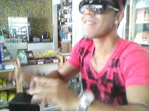 Rafa Ray brincando de musica