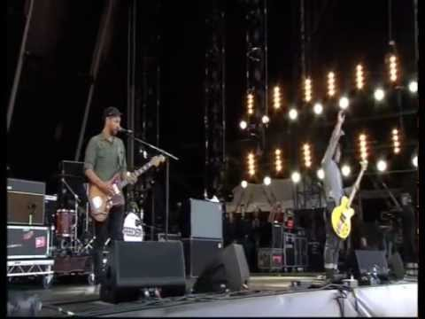Feeder | 'Buck Rogers' Live at the Isle Of Wight festival 2012