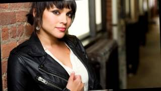 Watch Norah Jones I Aint Gonna Ask You video
