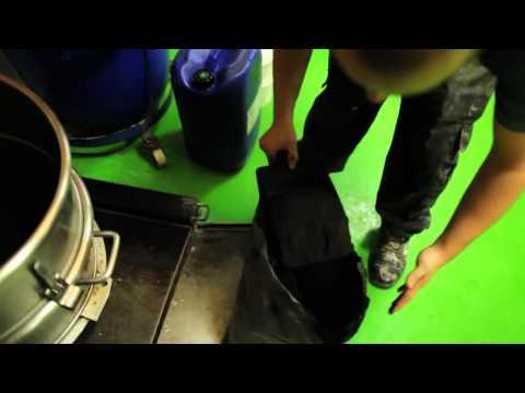 Lush presenta: Detergente Diavoli a Fior di Pelle
