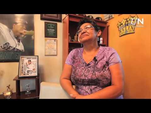 FAMILIA DE FELIX HERNANDEZ CELEBRA JUEGO PERFECTO UN