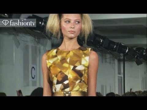 Oscar de la Renta Fall/Winter 2012/13 Show at New York Fashion Week NYFW | FashionTV