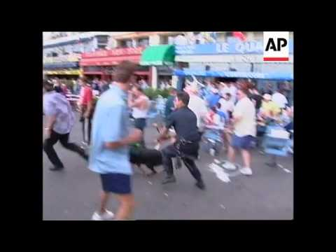 FRANCE: MARSEILLE: ENGLISH SOCCER FANS CLASH WITH POLICE (3)