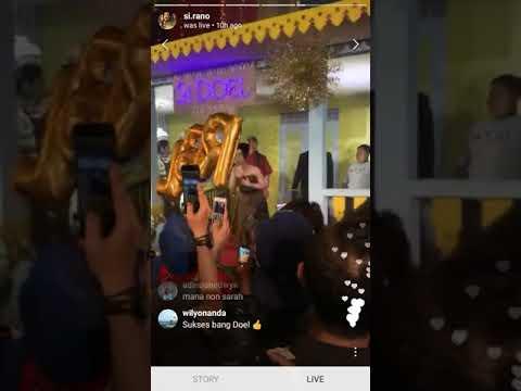 Download Lagu  #SiDoelTheMovie - Kocaknya Zaenab, Doel & Sarah Saat Nyanyikan Lagu 'Selamat Jalan Kekasih' Mp3 Free