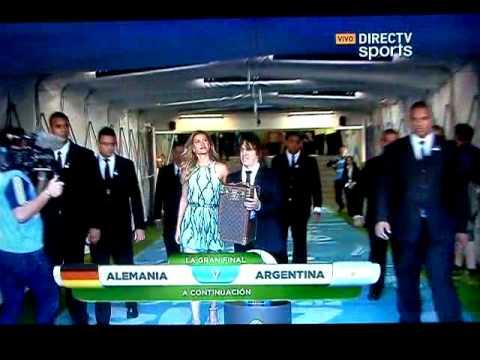 PUYOL entrega la COPA previa ARGENTINA vs ALEMANIA (1-0)  -- FINAL COPA MUNDIAL FIFA 2014