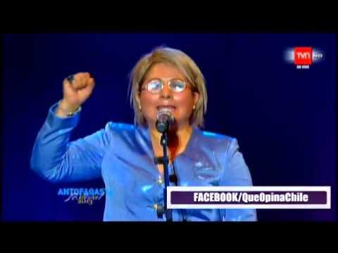 NATALIA CUEVAS  IMITACIÓN MICHELLE BACHELET  COMPLETO